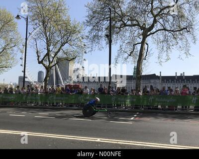 London, UK, 22 April 2018. Virgin Money London Marathon 2018 Credit: TekO/StockimoNews/Alamy Live News - Stock Photo