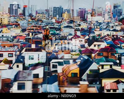 London, UK. 23rd April, 2018. Taking down the Andres Gursky image on the wall of the Hayward Gallery Credit: Step/StockimoNews/Alamy Live News - Stock Photo