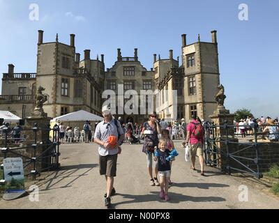 UK Weather : Sherborne, Dorset, 28 May 2018. Perfect blue skies, sunny and hot for the annual Sherborne Castle Country Fair on bank holiday Monday - Stock Photo