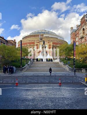 London, UK. 10th Nov, 2018. Preparations including security in place for Festival of Remembrance at Royal Albert Hall Credit: sutton11/StockimoNews/Alamy Live News - Stock Photo