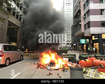 Hong Kong, China. 29 September 2018. Riots and fires in city following pro democracy march in city. Credit: highbrow/StockimoNews/Alamy Live News - Stock Photo