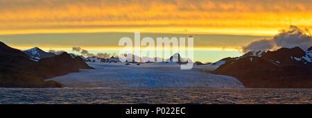 Abendstimmung, Gletscher und schneebeckte Berge, Suedgeorgien | Sunset, glacier and snow covered mountains, South Georgia Island, Sub Antarctica - Stock Photo