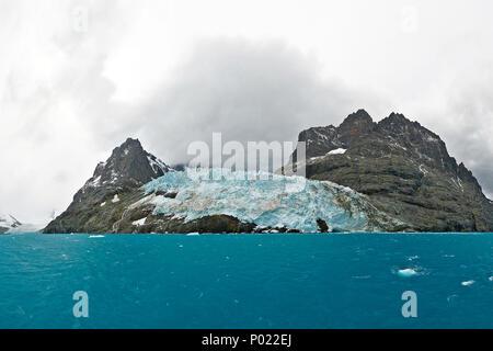 Gletscher und schneebeckte Berge, Georgienen | Glacier and snow covered mountains, South Georgia Island, Sub Antarctica - Stock Photo