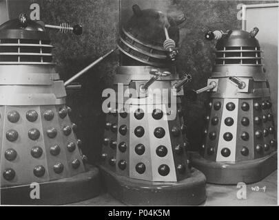 Original Film Title: DR. WHO AND THE DALEKS.  English Title: DR. WHO AND THE DALEKS.  Film Director: GORDON FLEMYNG.  Year: 1965. Credit: CONTINENTAL DISTRIBUTING / Album - Stock Photo