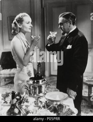 Original Film Title: TO BE OR NOT TO BE.  English Title: TO BE OR NOT TO BE.  Film Director: ERNST LUBITSCH.  Year: 1942.  Stars: STANLEY RIDGES; CAROLE LOMBARD. Credit: UNITED ARTISTS / Album - Stock Photo