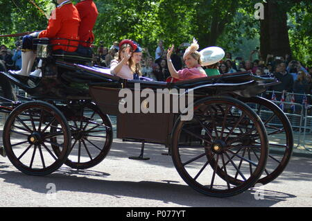 London, UK, 9 June 2018. Her Majesty The Queen Birthday Parade. Trooping of the Colour 2018 Credit: Mark Leishman/Alamy Live News - Stock Photo