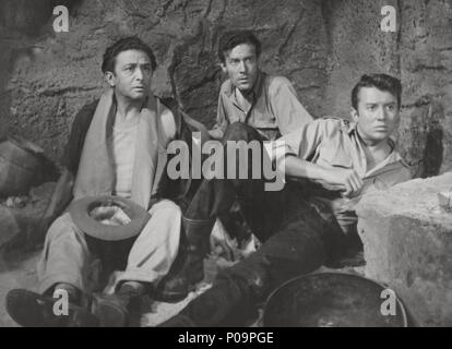 Original Film Title: TRES HOMBRES VAN A MORIR.  English Title: DESERT FIGHTERS.  Film Director: FELICIANO CATALAN.  Year: 1954. - Stock Photo