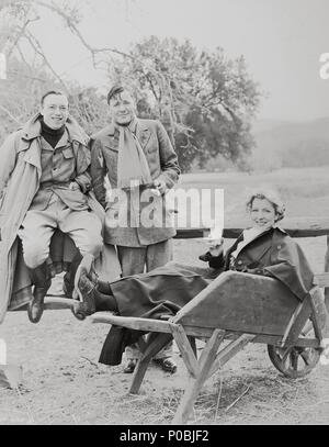 Original Film Title: TILL WE MEET AGAIN.  English Title: FORGOTTEN FACES.  Film Director: ROBERT FLOREY.  Year: 1936.  Stars: GERTRUDE MICHAEL; ROBERT FLOREY; HERBERT MARSHALL. Credit: PARAMOUNT PICTURES / Album - Stock Photo