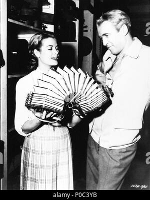 Original Film Title: REAR WINDOW.  English Title: REAR WINDOW.  Film Director: ALFRED HITCHCOCK.  Year: 1954.  Stars: JAMES STEWART; GRACE KELLY. Credit: PARAMOUNT PICTURES / Album - Stock Photo