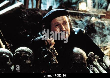 Original Film Title: HAMLET.  English Title: HAMLET.  Film Director: KENNETH BRANAGH.  Year: 1996.  Stars: BILLY CRYSTAL. Credit: CASTLE ROCK ENTERTAINMENT / Album - Stock Photo