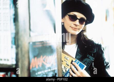 Original Film Title: NOTTING HILL.  English Title: NOTTING HILL.  Film Director: ROGER MICHELL.  Year: 1999.  Stars: JULIA ROBERTS. Credit: POLYGRAM / Album - Stock Photo