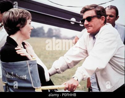 Original Film Title: DARLING LILI.  English Title: DARLING LILI.  Film Director: BLAKE EDWARDS.  Year: 1970.  Stars: JULIE ANDREWS; BLAKE EDWARDS. Credit: PARAMOUNT PICTURES / Album - Stock Photo