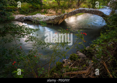 Aterno river, roman bridge. Abruzzo - Stock Photo