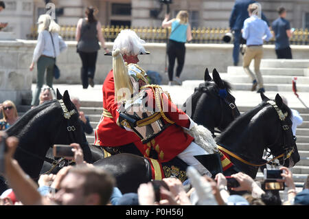 Lord Guthrie, former Chief of Defence Staff, 79, as he fell off his horse in front of Buckingham Palace following the Trooping the Colour ceremony at Horse Guards Parade, central London. - Stock Photo