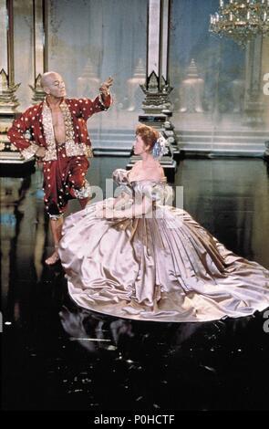 Original Film Title: THE KING AND I.  English Title: THE KING AND I.  Film Director: WALTER LANG.  Year: 1956.  Stars: YUL BRYNNER; DEBORAH KERR. Credit: 20TH CENTURY FOX / Album - Stock Photo