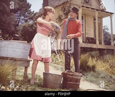 Original Film Title: FINIAN'S RAINBOW.  English Title: FINIAN'S RAINBOW.  Film Director: FRANCIS FORD COPPOLA.  Year: 1968.  Stars: FRED ASTAIRE; PETULA CLARK. Credit: WARNER BROTHERS / Album - Stock Photo