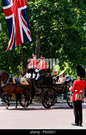 London, UK, June 2018. Prince Harry, Duke of Sussex, and Meghan, Duchess of Sussex, seat on the Royal Coach at Queen's Birthday Parade on June 9, 2018 in London, UK. Credit: SUNG KUK KIM/Alamy Live News - Stock Photo