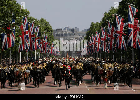 London, UK. 9th June, 2018. Soldiers ride down the Mall to Buckingham Palace during the Trooping of the Colour ceremony to mark Queen Elizabeth II's 92nd birthday in London, Britain on June 9, 2018. Credit: Tim Ireland/Xinhua/Alamy Live News - Stock Photo