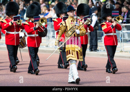 London, UK. 9th June 2018. Trooping The Colour. Coldstream Guards marching on parade in The Mall Credit: Raymond Tang/Alamy Live News - Stock Photo