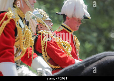 London, UK. 9th June 2018. Retired Chief of the Defence Staff, Field Marshal Lord Guthrie, 79, who began his military career in 1959 with the Welsh Guards, appears unwell as he passes Clarence House during the procession along The Mall at Trooping the Colour, The Queens Birthday Parade. London. Credit: amanda rose/Alamy Live News - Stock Photo