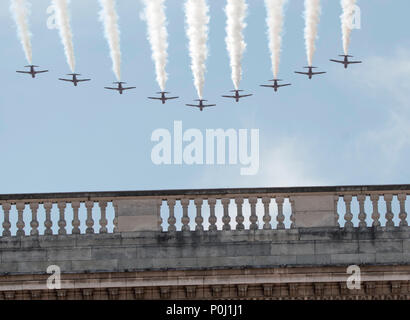London, UK. 9 June 2018 - The RAF fly past members of the British Royal family, including HM The Queen, Prince William, Prince Harry, Meghan Markle (Duchess of Sussex) and more. Prince Philip was absent throughout. Credit: Benjamin Wareing/Alamy Live News - Stock Photo