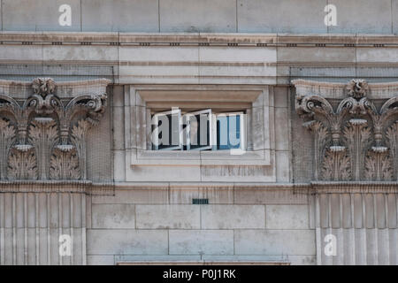 London, UK. 9 June 2018 - Workers within Buckingham Palace watch the Trooping the Colour ceremony from a top floor window within the palace. Credit: Benjamin Wareing/Alamy Live News - Stock Photo