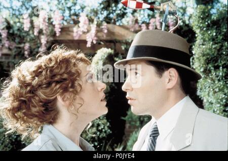 Original Film Title: INSPECTOR GADGET.  English Title: INSPECTOR GADGET.  Film Director: DAVID KELLOGG.  Year: 1999.  Stars: MATTHEW BRODERICK; JOELY FISHER. Credit: WALT DISNEY PICTURES / Album - Stock Photo