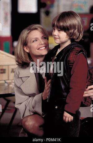 Original Film Title: ONE FINE DAY.  English Title: ONE FINE DAY.  Film Director: MICHAEL HOFFMAN.  Year: 1996.  Stars: MICHELLE PFEIFFER; ALEX D. LINZ. Credit: 20TH CENTURY FOX / LA MANA, GEMMA / Album - Stock Photo