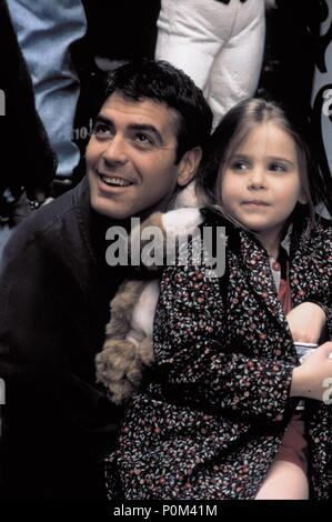 Original Film Title: ONE FINE DAY.  English Title: ONE FINE DAY.  Film Director: MICHAEL HOFFMAN.  Year: 1996.  Stars: GEORGE CLOONEY; MAE WHITMAN. Credit: 20TH CENTURY FOX / ARONOWITZ, MILES / Album - Stock Photo