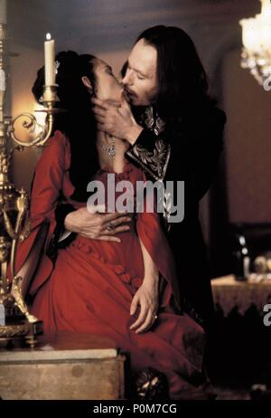 Original Film Title: DRACULA.  English Title: DRACULA.  Film Director: FRANCIS FORD COPPOLA.  Year: 1992.  Stars: DRACULA; WINONA RYDER; GARY OLDMAN. Credit: COLUMBIA PICTURES / NELSON, RALPH / Album - Stock Photo