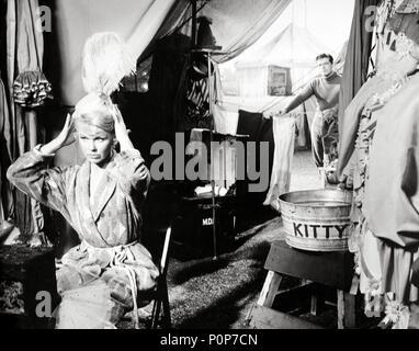 Original Film Title: BILLY ROSE'S JUMBO.  English Title: BILLY ROSE'S JUMBO.  Film Director: CHARLES WALTERS.  Year: 1962.  Stars: STEPHEN BOYD; DORIS DAY. Credit: M.G.M / Album