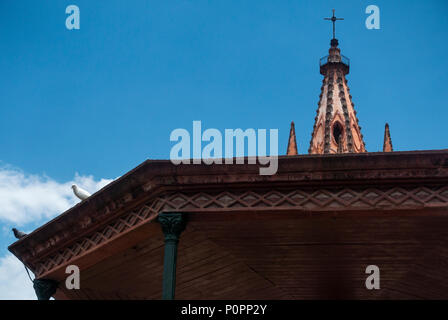 Parroquia de San Miguel Arcángel at night in San Miguel de Allende, Mexico - Stock Photo