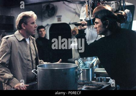Original Film Title: UNDER SIEGE.  English Title: UNDER SIEGE.  Film Director: ANDREW DAVIS.  Year: 1992.  Stars: TOMMY LEE JONES; GARY BUSEY. Credit: WB/REGENCY ENTERPRISES V.O.F./CANAL + / Album - Stock Photo