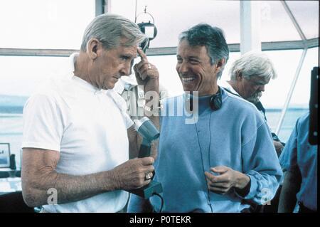 Original Film Title: HOT SHOTS!.  English Title: HOT SHOTS!.  Film Director: JIM ABRAHAMS.  Year: 1991.  Stars: LLOYD BRIDGES; JIM ABRAHAMS. Credit: 20TH CENTURY FOX / Album - Stock Photo