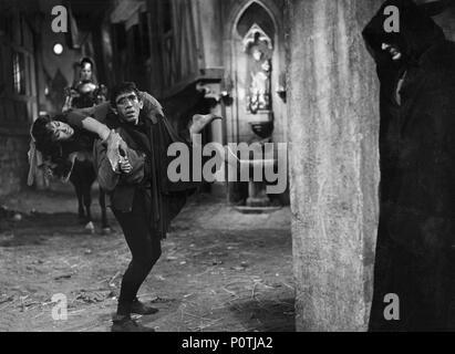 Original Film Title: NOTRE DAME DE PARIS.  English Title: THE HUNCHBACK OF NOTRE DAME.  Film Director: JEAN DELANNOY.  Year: 1956.  Stars: ANTHONY QUINN; GINA LOLLOBRIGIDA. Credit: PARIS-FILM PRODUCTIONS/ALLIED ARTISTS / VOINQUEL, RAYMOND / Album - Stock Photo