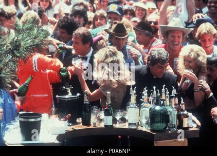 Original Film Title: THE CANNONBALL RUN.  English Title: CANNONBALL RUN.  Film Director: HAL NEEDHAM.  Year: 1981. Credit: 20TH CENTURY FOX/GOLDEN HARVEST / Album - Stock Photo