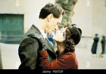 Original Film Title: KEEP THE ASPIDISTRA FLYING.  English Title: A MERRY WAR.  Film Director: ROBERT BIERMAN.  Year: 1997.  Stars: RICHARD E. GRANT; HELENA BONHAM CARTER. - Stock Photo
