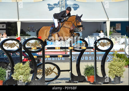 Cannes, France. 09th June, 2018. France Kevin Staut on Lorenzo competes during the 2018 Longines Global Champions League in Cannes on June 09, 2018 Credit: BTWImages Sport/Alamy Live News - Stock Photo
