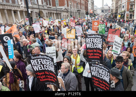 London, September 17th 2016. Several thousand protesters take to the streets of central London to support refugees coming to the UK. Beginning at Park - Stock Photo