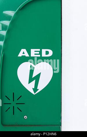 AED, Automated External Defibrillator sign - Stock Photo