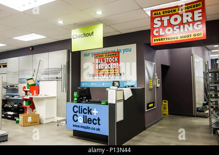LONDON, UK - 8th June 2018: Maplin store in the City of London at Eastcheap closes down after a sales clearout. - Stock Photo