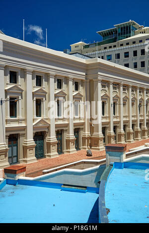 Wellington Town Hall and water feature, Civic Square, Wellington, North Island, New Zealand - Stock Photo