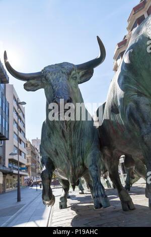 'Monumento al encierro' - Monument to the bull running festivities of San Fermin by Rafael Huerta, Pamplona, Navarra Spain. - Stock Photo