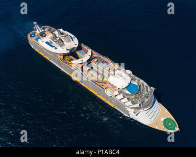 Spain: at sea, in the middle of the Atlantic Ocean. 2018/03/26. Maiden voyage of the Symphony of the Seas, the world's biggest cruise ship delivered b - Stock Photo