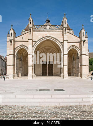 Entrance porch to Cathedral of Notre Dame or Basilique Collégiale Notre Dame Beaune France built in Romanesque and Gothic styles 11th to 15th century - Stock Photo