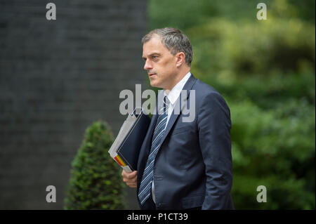 Downing Street, London, UK. 12 June 2018. Julian Smith, Chief Whip in Downing Street for weekly cabinet meeting. Credit: Malcolm Park/Alamy Live News. - Stock Photo