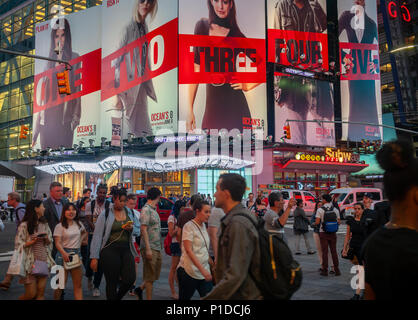 Advertising for the Warner Bros' film 'Ocean's 8' film is seen in Times Square in New York on Tuesday, May 29, 2018. The film is a spin-off of the Ocean's franchise and is scheduled to hit the theaters on June 8. (© Richard B. Levine) - Stock Photo