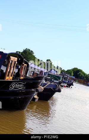 House Boats & Canal Barges at Rufford Marina. UK. - Stock Photo