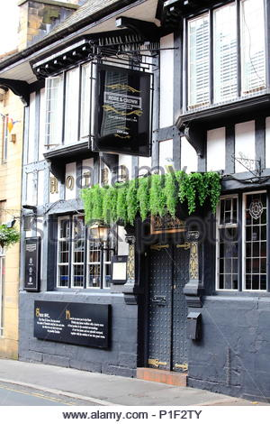 The Black And White Rose & Crown Pub On King Street Knutsford Cheshire England Summer June 2018 - Stock Photo