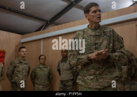 U.S. Army Gen. Joseph Votel, Commander of the United States Central Command, thanks U.S. and coalition forces at Qayyarah West Airfield, Iraq, Oct. 25, 2016. The United States stands with a coalition of more than 60 international partners to assist and support the Iraqi security forces to degrade and defeat the Islamic State of Iraq and the Levant.  (U.S. Army photo by Spc. Christopher Brecht) - Stock Photo
